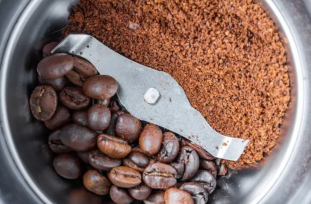 Grinding of coffee beans